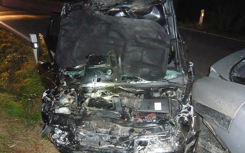 Dopravní nehoda dvou vozidel si vyžádala dva mrtvé