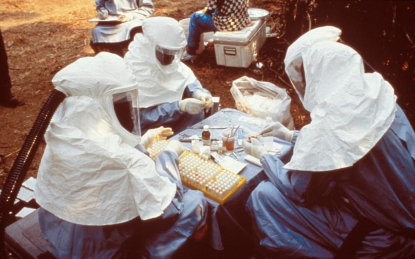 Američané vědí, jak zabít vir eboly. Vyjde to na miliardu dolarů