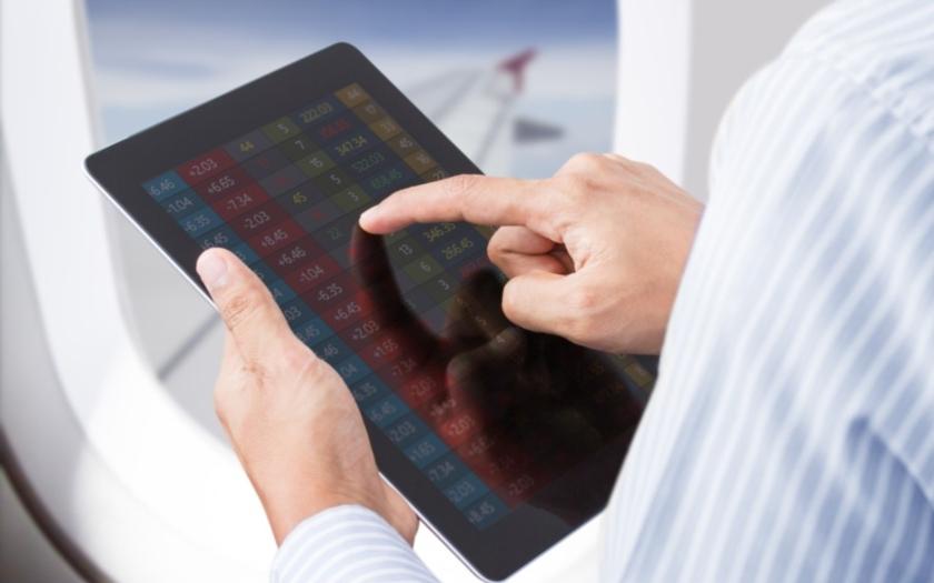 Cestující mohou mít zapnuté mobily a tablety i za letu, ale jen v Evropě