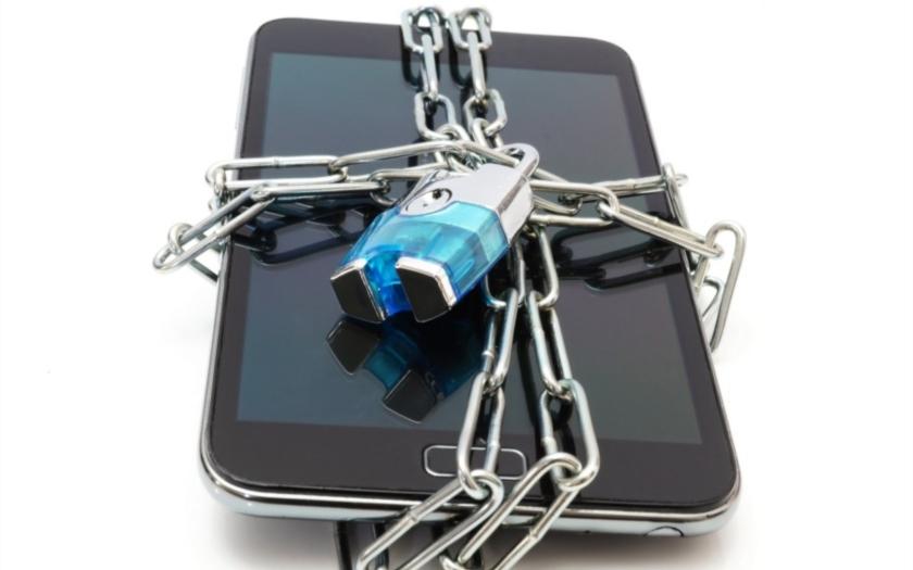 Google a Apple - šifrování dat se nelíbí FBI a tajným službám