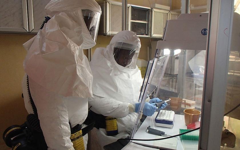 Virus eboly v americkém Dallasu potvrzen. 100 potencionálních nakažených