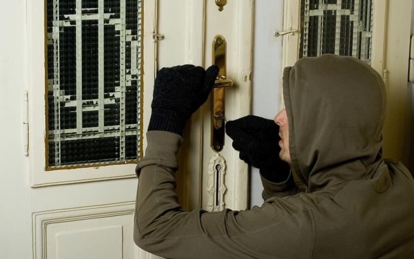 Vloupání do rodinného domu se vydařilo - majitel přišel o více než milion korun