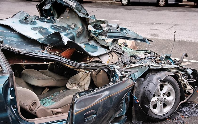 Dvě rány pro sexuologa Weisse: Nehoda a vražedkyně ze Smíchova. Selhali policisté, nebo lékaři?
