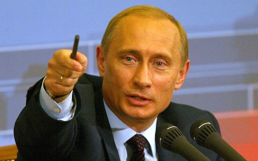 Putin popřel podíl Ruska na otravě exagenta Skripala v Británii