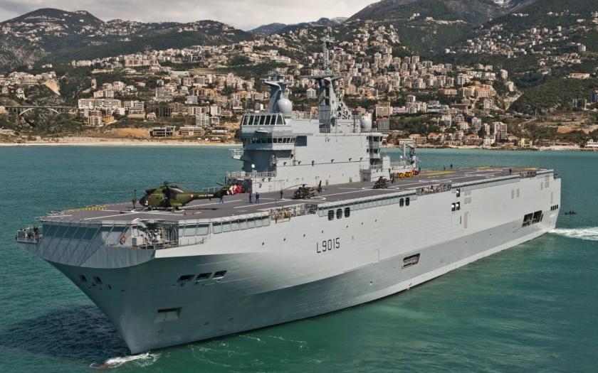 Z válečné lodi třídy Mistral vyrobené ve Francii pro Rusko ukradeno klíčové vybavení!