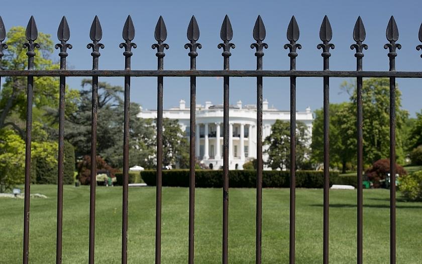 Závěr vyšetřování: plot kolem Bílého domu bude zvýšen o 1,5 metru