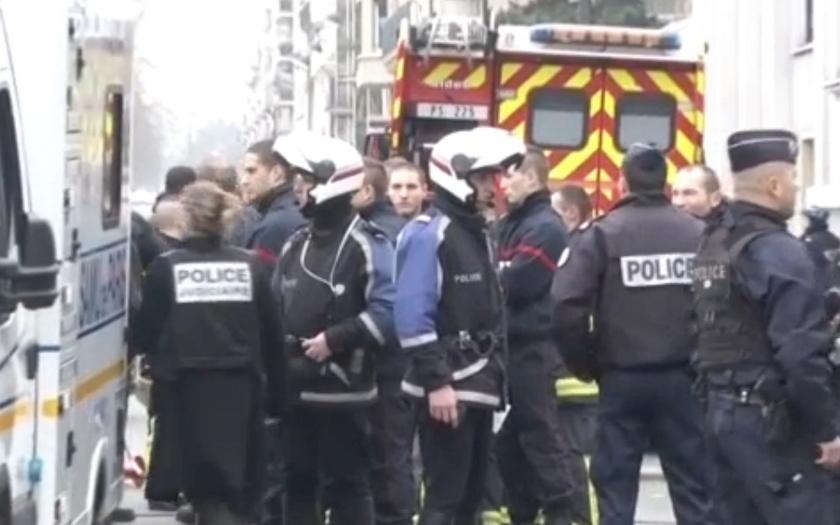 Bezprecedentní teroristický útok radikálních islamistů v Paříži. Evropa je v šoku