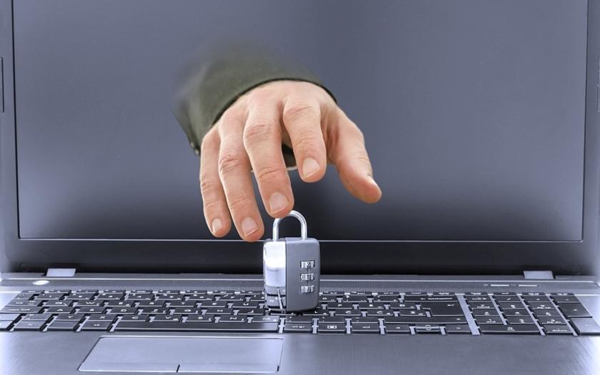 Varování před podvodným emailem, který získá data k online bankovnictví