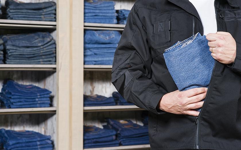 Devadesát procent zlodějů v nákupních centrech je chyceno