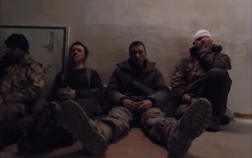 Šílený osud ukrajinských válečných zajatců v Doněcku