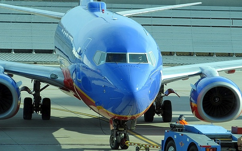 Selhala bezpečnostní opatření na amerických letištích. Personál pašoval zbraně
