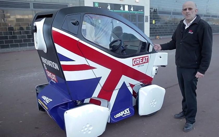 V Británii už potkáte na silnicích auta bez řidičů