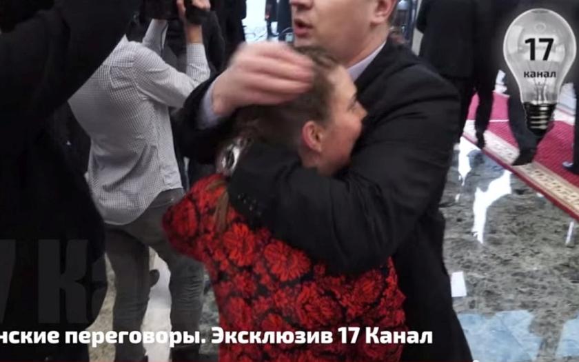 &quote;Drž hubu&quote; - tak umlčeli ruskou novinářku na summitu v Minsku