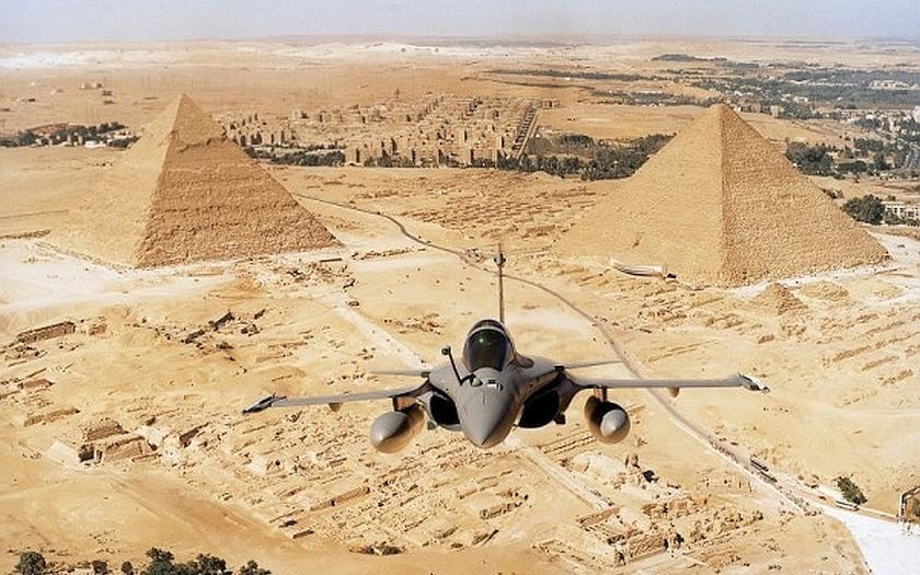 Pentagonu se nelíbí bombardování Libye. Egypt zapomněl informovat USA