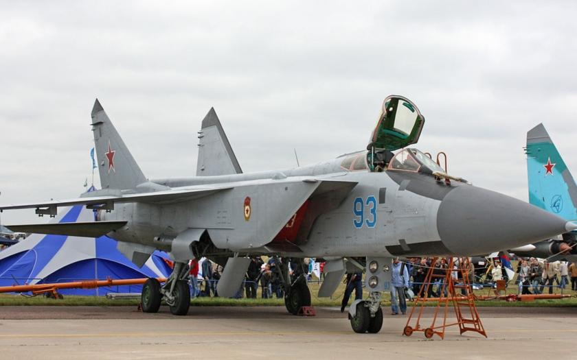 Rusko chřestí zbraněmi nad Barentsovým mořem