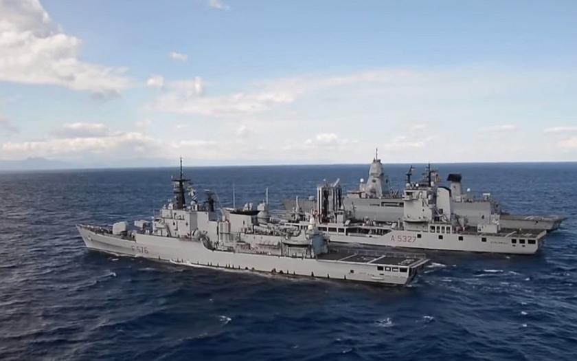 Islámisté zaútočili na ropná pole v Libyi. Italské námořnictvo je u libyjských břehů.