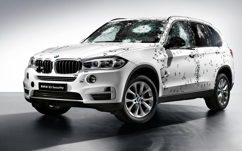 BMW X5 Security Plus: vydrží i zásah Kalašnikovem