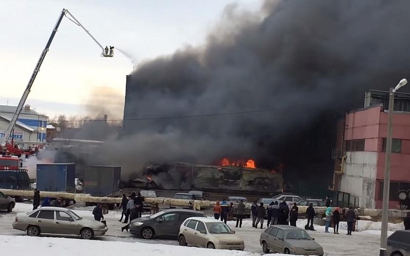 Požár obchodního centra v ruské Kazani:nejméně 5 mrtvých, další se pohřešují