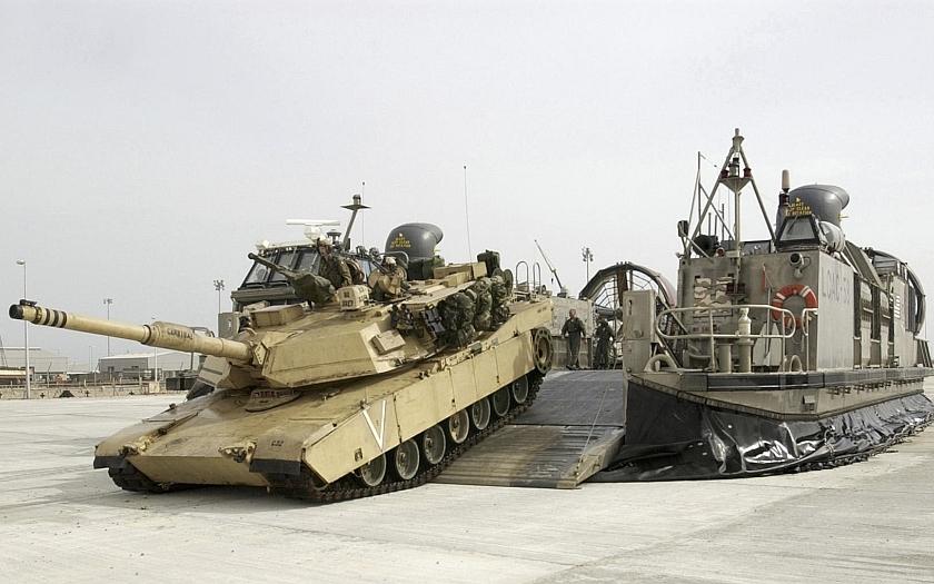 USA posílají do Evropy 800 tanků americké armády. Roste napětí mezi Ruskem a USA