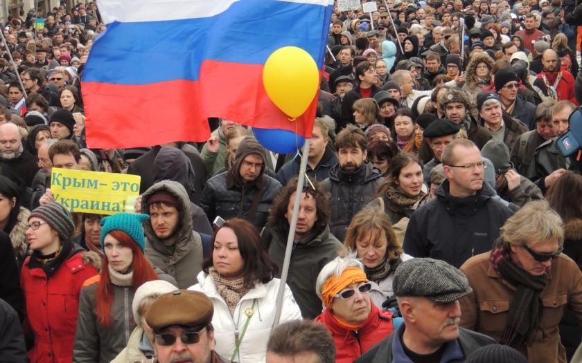 Už rok okupuje Rusko Krym
