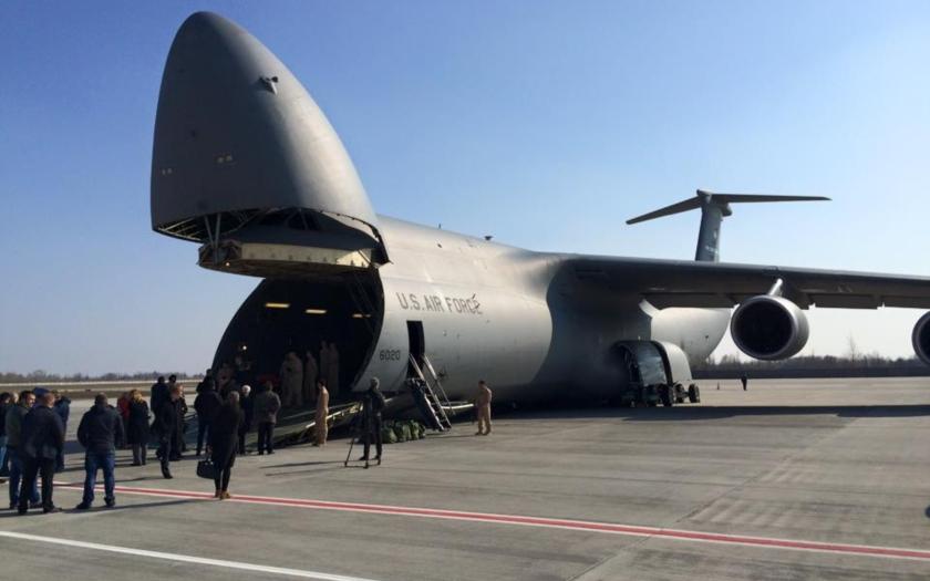 Americká armáda a NATO připravuje přesun těžké techniky k ruským hranicím.