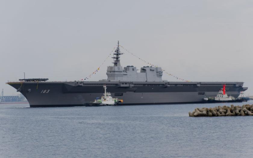 Japonsko spustilo na vodu nosič vrtulníků, Čína se zlobí
