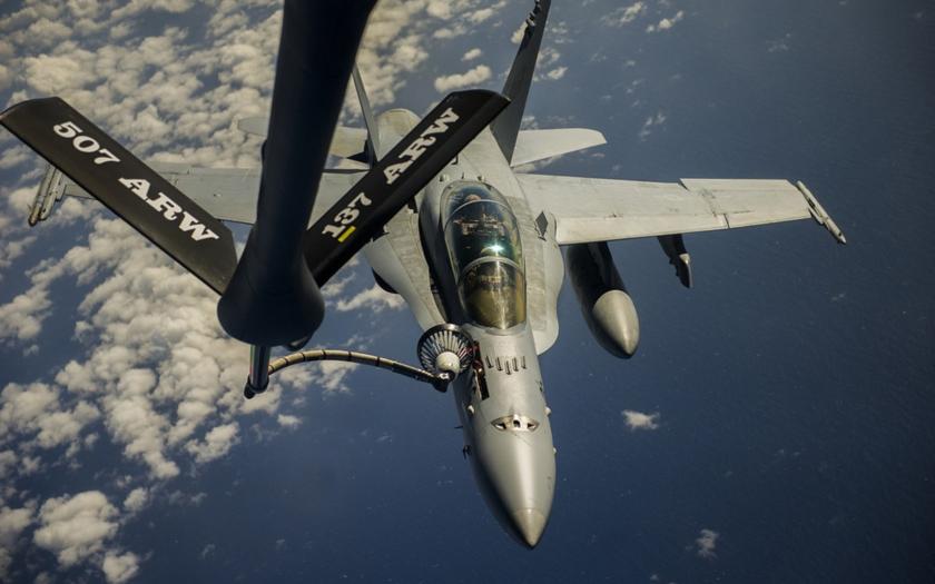 Pilot americké F-18 se zabil při havárii v Camridgeshire