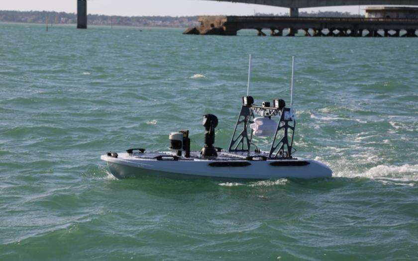 Vodní robot CYBERJET 250