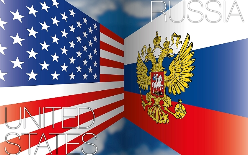 Rusové pálí na konzulátu v San Francisku nespecifikované předměty