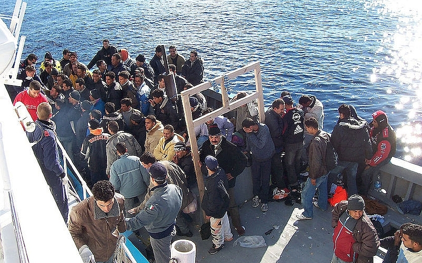 Komise poslala Česko k soudu EU kvůli přerozdělování migrantů
