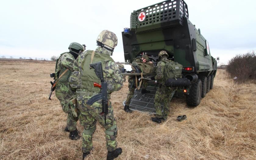 Nové priority armády jdou proti soběstačnosti ČR. Místo domácího průmyslu zakázky pro zahraniční firmy