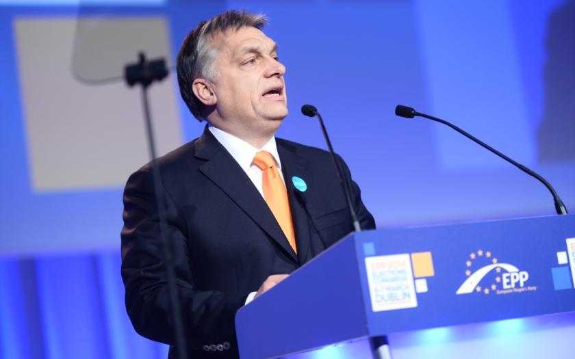 Video: Maďarský premiér &quote;Nastal čas postavit se na odpor!&quote;