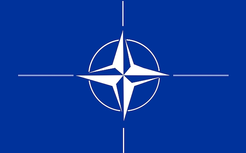 Povede NATO žena?
