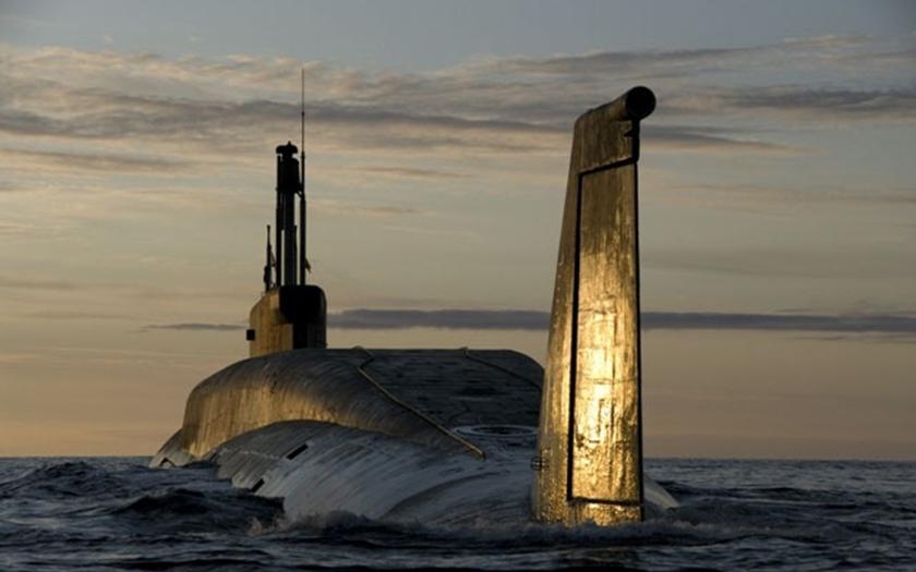 Putin: Rusko bude zlepšovat jaderné zbraně, hrozit s nimi nechce