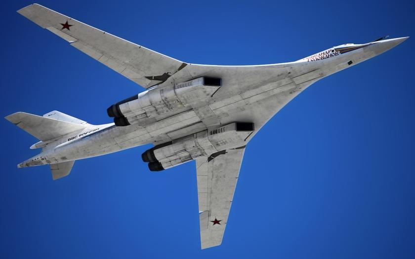 Rusko zvažuje obnovení výroby nejtěžšího bombardéru na světě, Tu-160