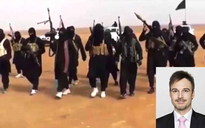 Poslanec Úsvitu Lank: Evropany v IS střílet nemůžeme, ale zavřeme je