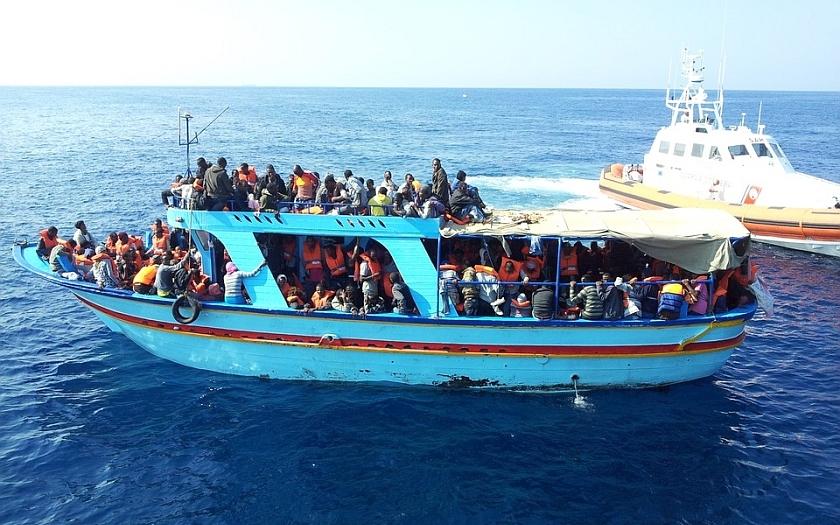 Francie vrátila Itálii 200 migrantů, kteří obeplavali hranici