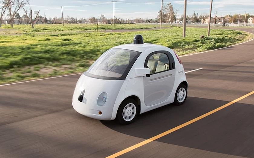 Autonomní auta od Google vyjíždí na testovací jízdy v běžném provozu