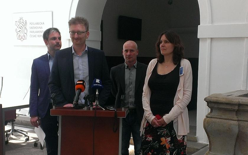 Konflikt s muslimy v Olomouci se řeší už i ve Sněmovně. Poslanci žádají změnu zákona