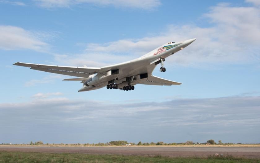 Rusko obnovuje výrobu největšího bombardéru světa