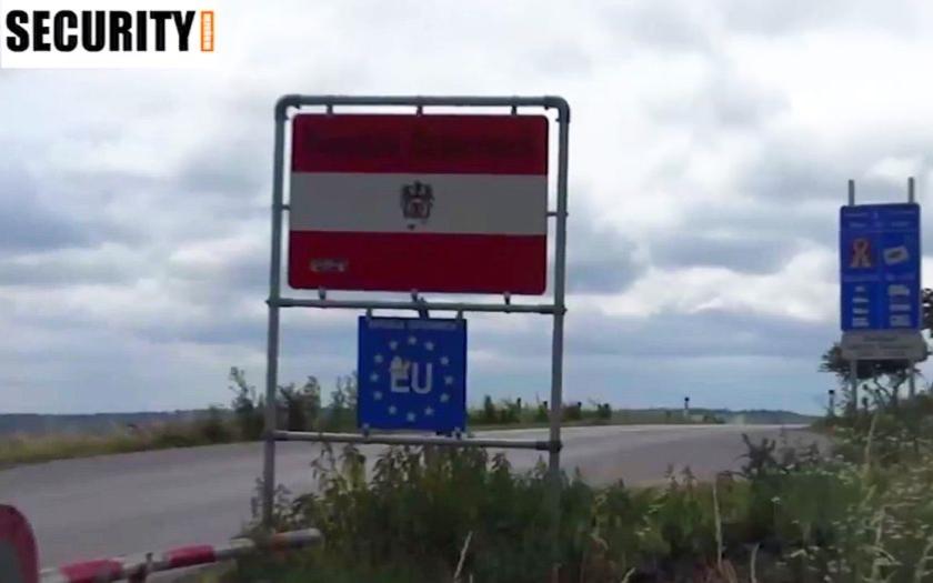 Rakouský ministr vnitra oznámil posílení kontrol na hranicích