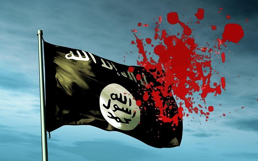 &quote;Alláhu akbar! Všechny vás zabiju!&quote; křičel muž na pláži v západní Francii