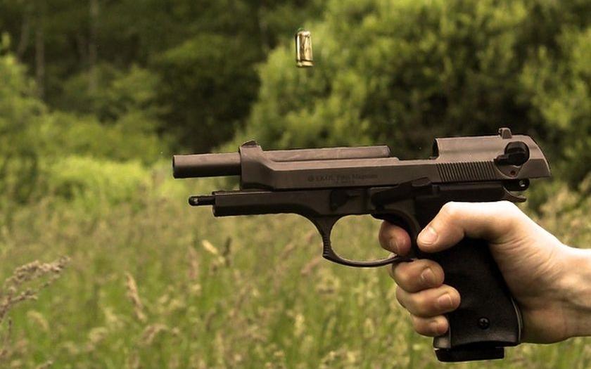 Lidé mají právo se bránit i se zbraní v ruce