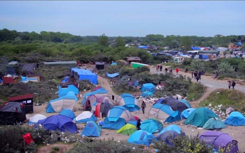 Tisíce imigrantů nemusí do úterý opustit Džungli v Calais. Ochránci lidských práv se obrátili na soud