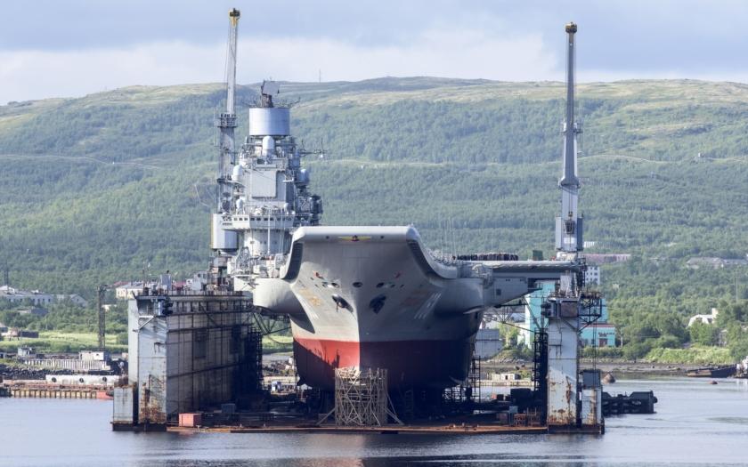 Putinova vesnice - Rusko letadlové lodě neumí a hlavně nepotřebuje
