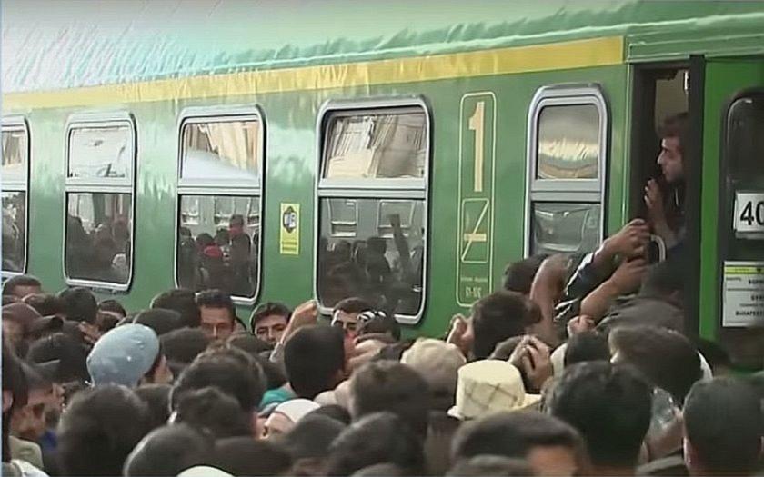 Maďarská lest rozzuřila uprchlíky. Vlak je neodvezl na Západ, ale do uprchlického tábora.