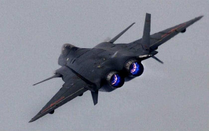 Zhuhai Air Show: Veřejný debut čínského letounu 5. generace J-20