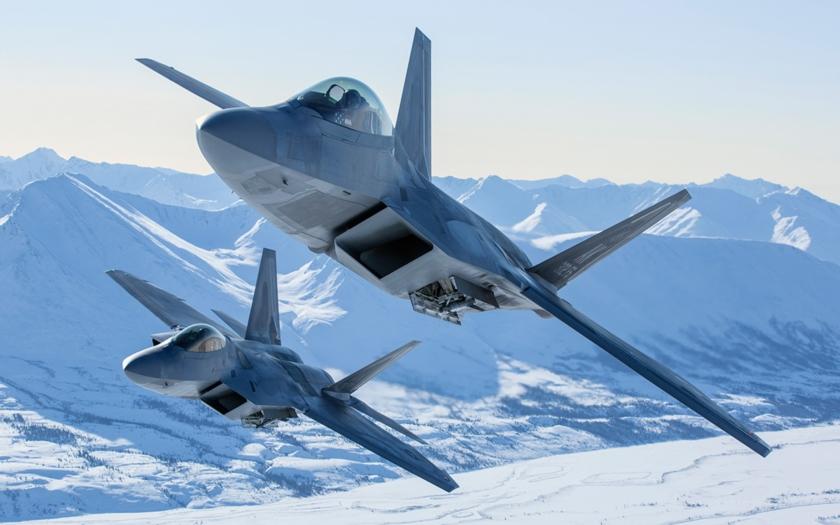 Proč je F-22 Raptor nejlepší stíhací letoun světa