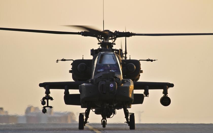Co dál po útoku na člun s uprchlíky? Nakoupí se nové vrtulníky...