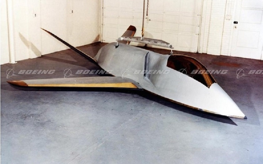 Neviditelný letoun z 60.let, předchůdce F-117 a F-22 - Boeing Quiet Bird